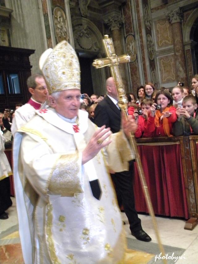 pope benedict, st peter's basilica 1/1/2011 mass