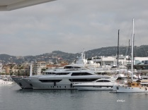 ritzy yachts