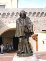statue of francois grimaldi, disguised as a monk; the first grimaldi to rule monaco